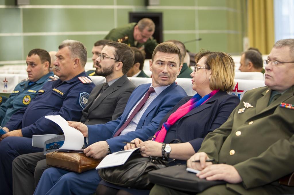 Заседание профильной комиссии по вопросам взаимодействия Минобороны и войсковых казачьих обществ в Конгрессно-выставочном центре «Патриот»