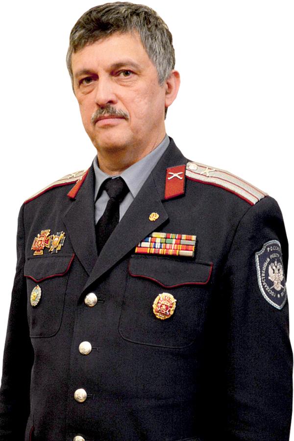 Атаман Калужского ОтдКО -казачий полковникКомисаренко Борис Васильевич
