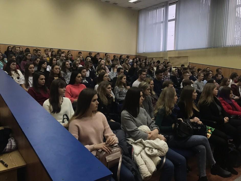Калужских студентов предупредили об опасности